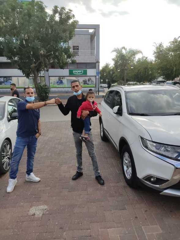 משפחה שהתחדשה ברכב חדש באופיר סוכנויות