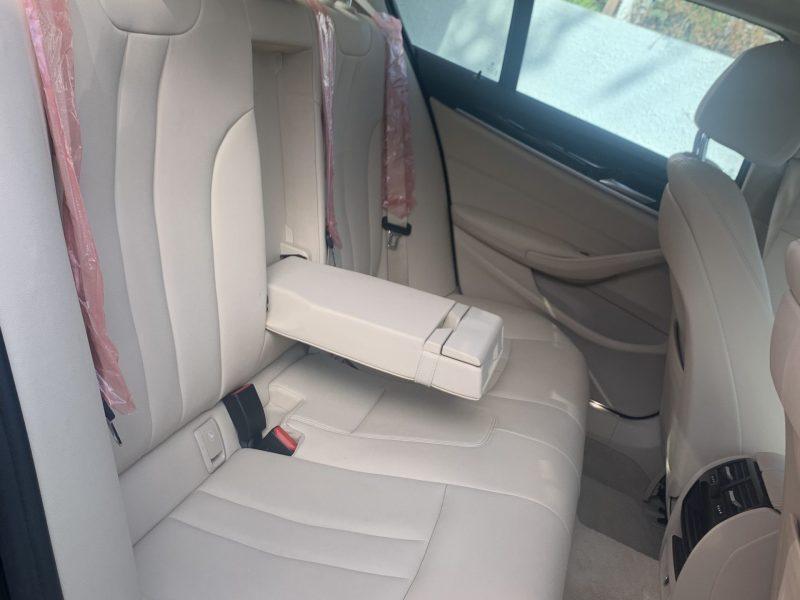 פנים הרכב מושב אחורי במוו E 530 e BUSINESS שחור 2019 קניית רכבי יוקרה יד 2