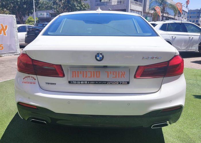 צילום אחורי של הרכב במוו E 530 e EXCLUSIVE לבן 2018 רכבי יוקרה יד 2