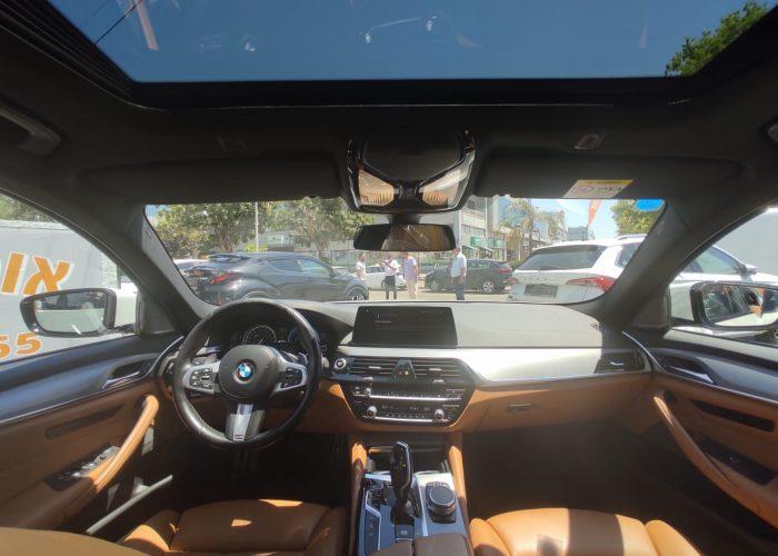 צילום פנים הרכב במוו E 530 e EXCLUSIVE לבן 2018 רכבי יוקרה יד 2