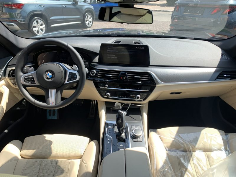 במוו E 530 e M-SPORT אפור מטאלי 2021 קניית רכב חדש 0 קמ