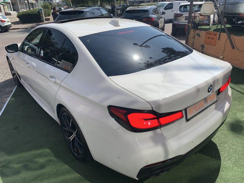 גב הרכב במוו E 530 e M-SPORT לבן 2021 קניית רכב חדש 0 קמ