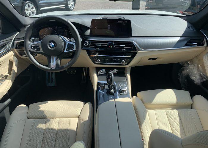 פנים הרכב מושב קדמי במוו E 530 e M-SPORT לבן 2021 קניית רכב חדש 0 קמ