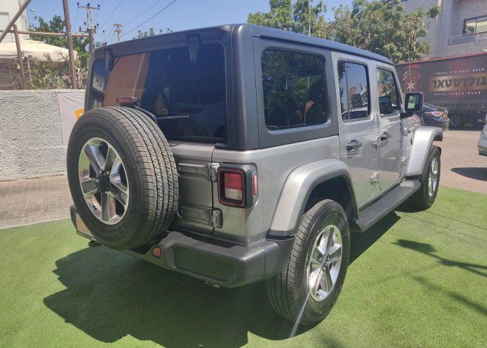צילום אחורי של הרכב ג'יפ סהרה ארוך 2.0 כסף 2021 רכבי יוקרה 0 קמ
