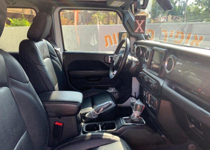 פנים הרכב מושב קדמי גיפ סהרה ארוך 2.0 לבן 2021 קניית רכב יוקרה יד 2