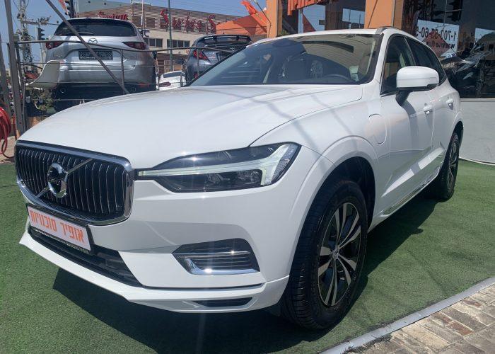 צילום צדדי וולוו XC60 אקספריישן לבן 2021 קניית רכב חדש 0 קמ