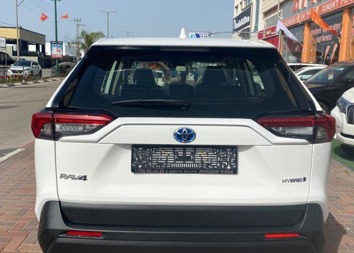 טויוטה ראב 4 E-VOLVE היברידי לבן שנהב 2021 קניית רכב חדש