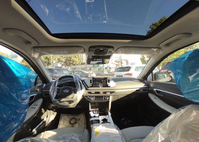 צילום פנים הרכב יונדאי סונטה היברידי LIMITED אפור בטון 2021 קניית רכב חדש