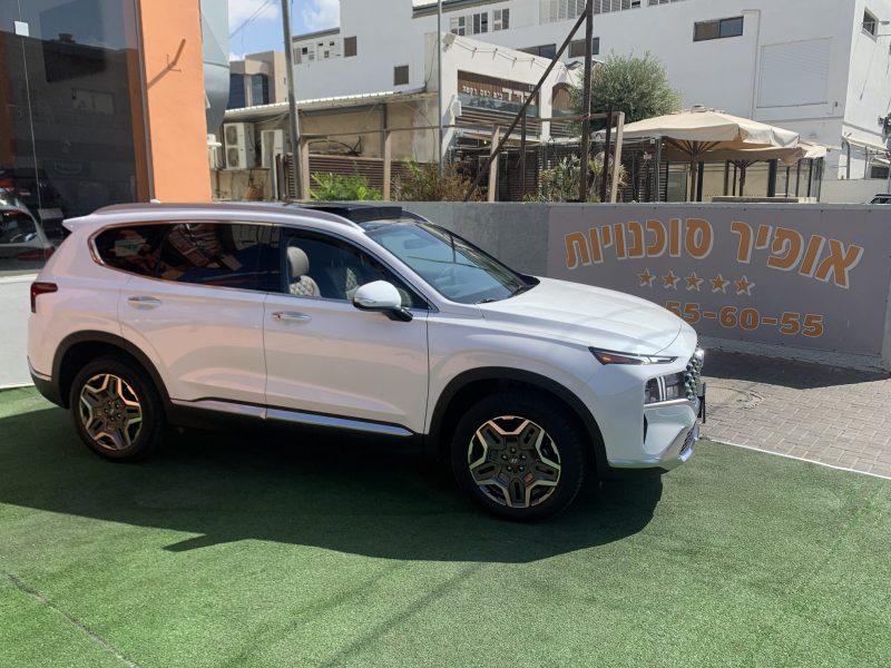 צילום צדדי יונדאי סנטה פה LUXURY 4X4 לבן 2021 קניית רכבי יוקרה 0 קמ