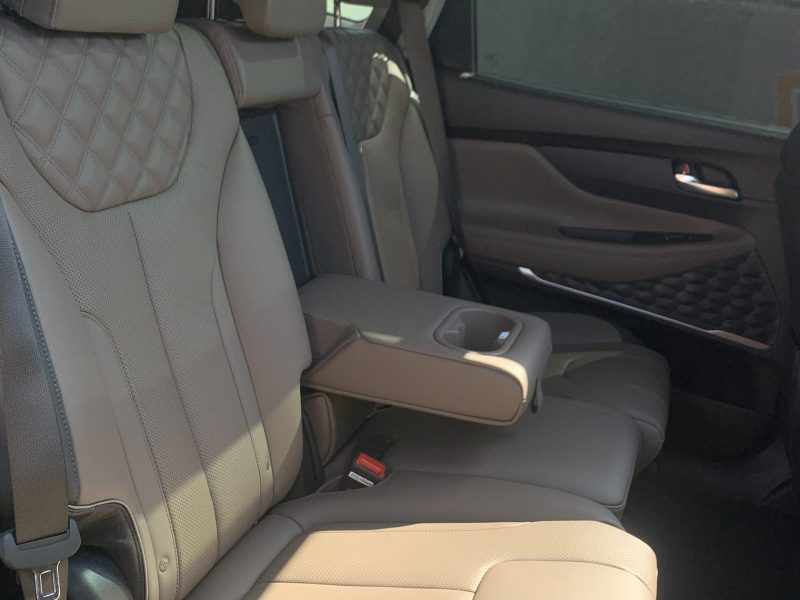 פנים הרכב מושב אחורי יונדאי סנטה פה LUXURY 4X4 שחור 2021 קניית רכבי יוקרה 0 קמ