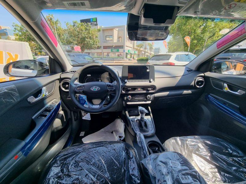 צילום פנים הרכב יונדאי קונה PRIMEPLUS FL לבן 2021 קניית רכב חדש