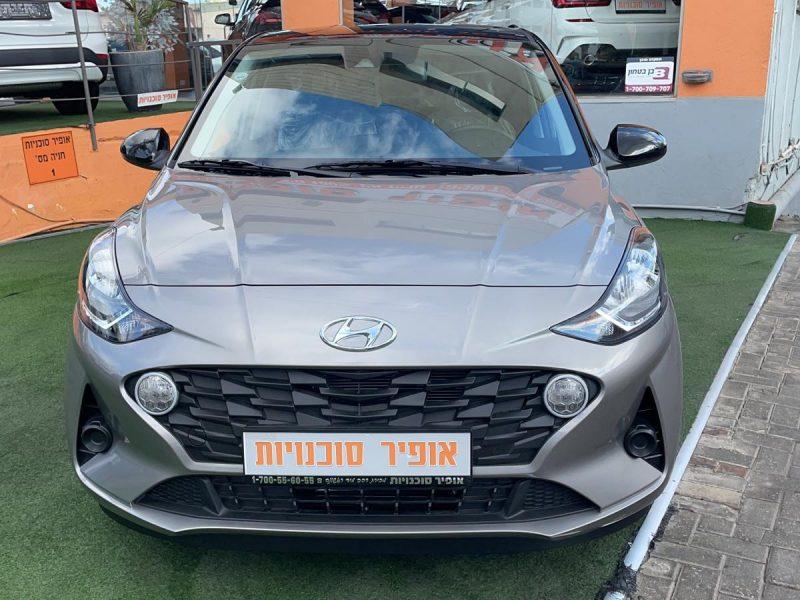 חזית הרכב יונדאי I 10 PRIME PLUS כסף מטאלי גג שחור 2021 קניית רכב 0 קמ