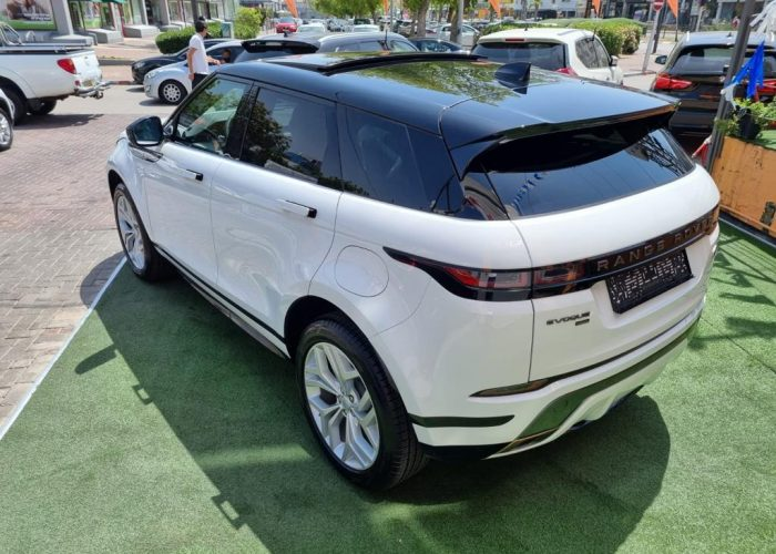 לנד רובר איווק R-DYNAMIC לבן 2021 רכבי יוקרה (1)
