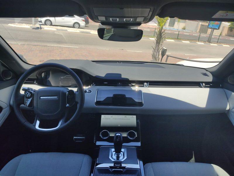 צילום פנים הרכב לנד רובר איווק R-DYNAMIC שחור מטאלי 2021 קניית רכב 0 קמ