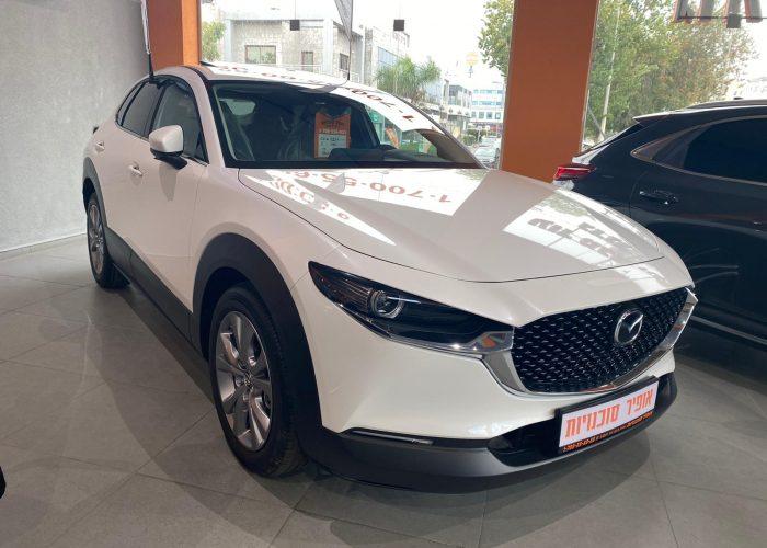 מאזדה CX30 אקזקיוטיב לבן פנינה 2021