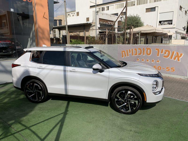 מיצובישי אאוטלנדר INSTYLE לבן פנינה 2021 קניית רכב 0 קמ 7 מושבים