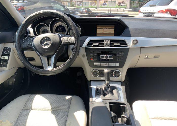 פנים הרכב מרצדס C200 AVANTGARDE כסף 2011 קניית רכב יד 2
