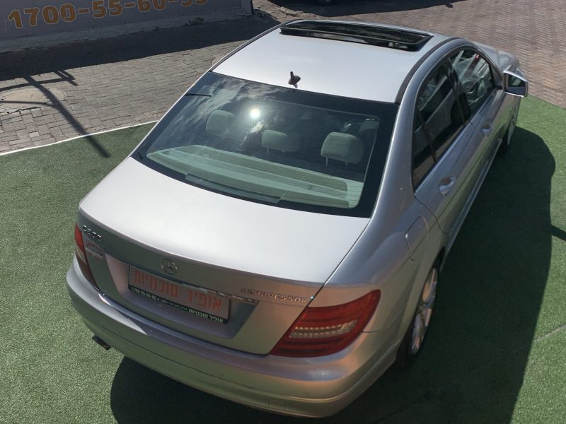 גב הרכב מרצדס C200 AVANTGARDE כסף 2011 קניית רכב יד 2