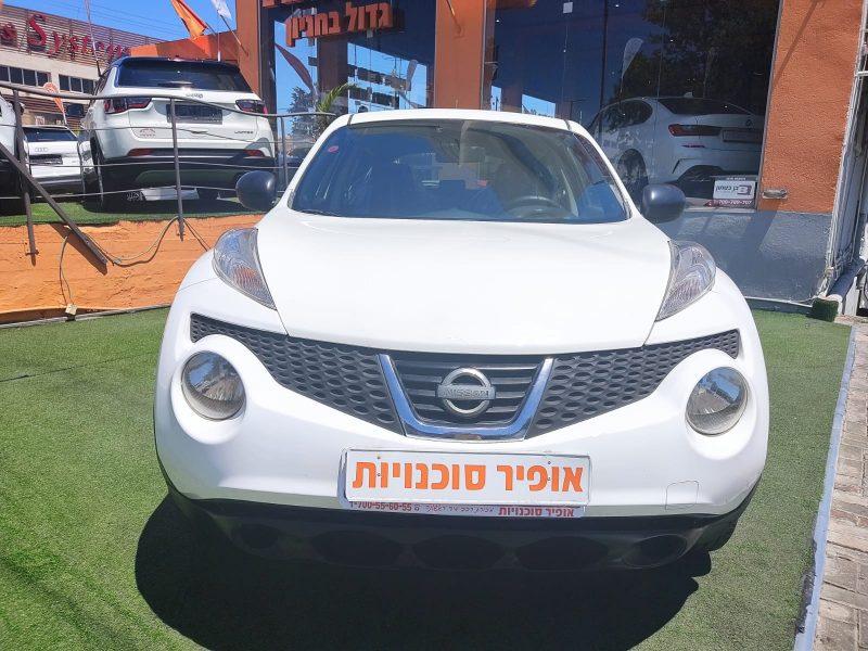 צילום חזית הרכב ניסאן ג'וק ויזיה לבן 2013 קניית רכב יד 2