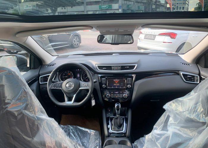 צילום פנים הרכב ניסאן קשקאי ACENTA TOP כסף מטאלי 2021 קניית רכב חדש