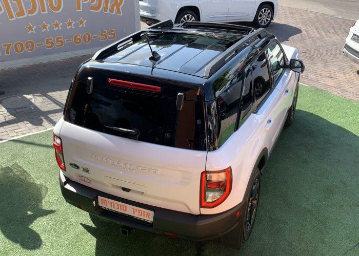גב הרכב פורד ברונקו OUTER BANKS לבן 2021 קניית רכב 0 קמ