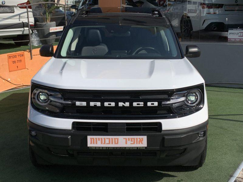 חזית הרכב פורד ברונקו OUTER BANKS לבן 2021 קניית רכב 0 קמ