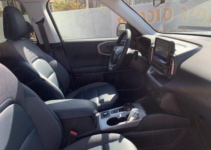 פנים הרכב מושב קדמי פורד ברונקו OUTER BANKS לבן 2021 קניית רכב 0 קמ