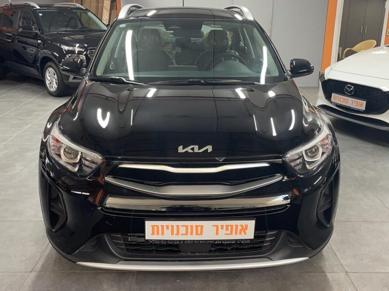 חזית הרכב קאיה סטוניק LX שחור 2021 קניית רכב 0 קמ
