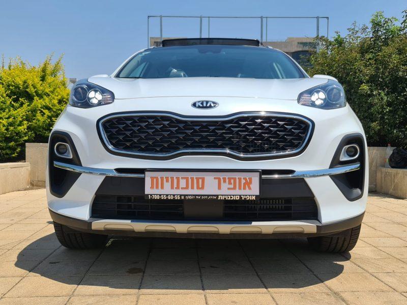 צילום חזית הרכב קאיה ספורטג' חדש אורבן TOP לבן פנינה 2021 קניית רכב חדש
