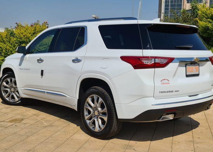 צילום אחורי שברולט טרוורס החדשה PREMIER 4X4 לבן 2021 קניית רכב 0 קמ