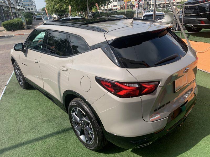 צילום אחורי שברולט טרייל בלייזר RS בז 2021 קניית רכב 0 קמ