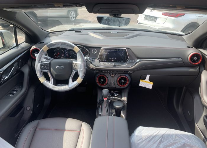 פנים הרכב שברולט טרייל בלייזר RS בז 2021 קניית רכב 0 קמ