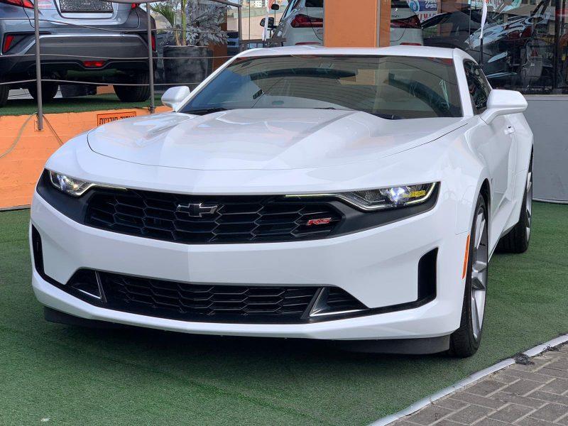 שברולט קאמרו RS לבן 2021 קניית רכבי יוקרה 0 קמ